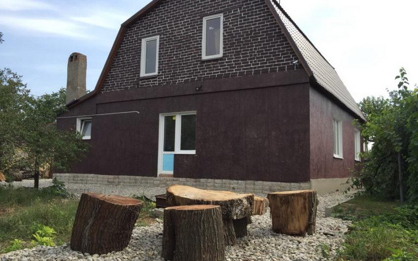 Продается отличный кирпичный дом в станице Северская